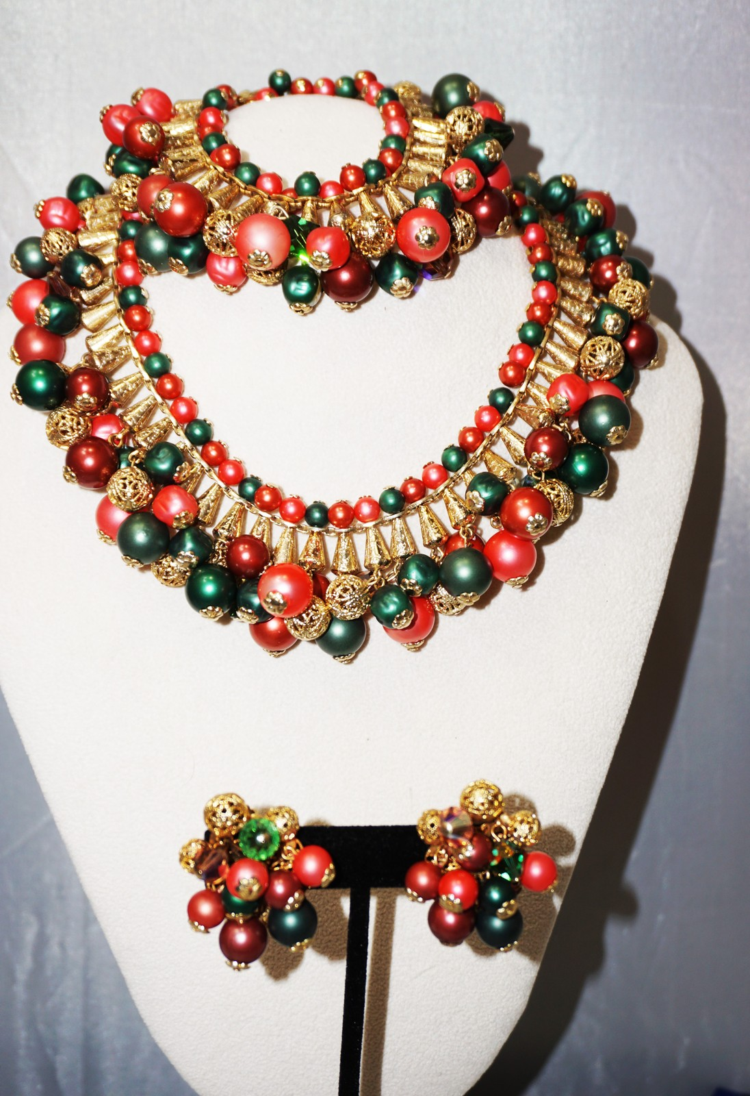 Primary image for Layered Bib Necklace Bracelet & Clip Earring Faux Pearls Pat Pending  Cha Cha