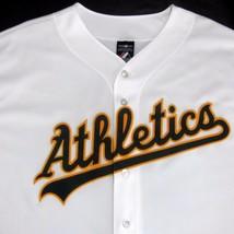 Oakland Athletics Nwot Majestic Genuine Merchandise (Sz 2X) White Jersey Usa - $36.86