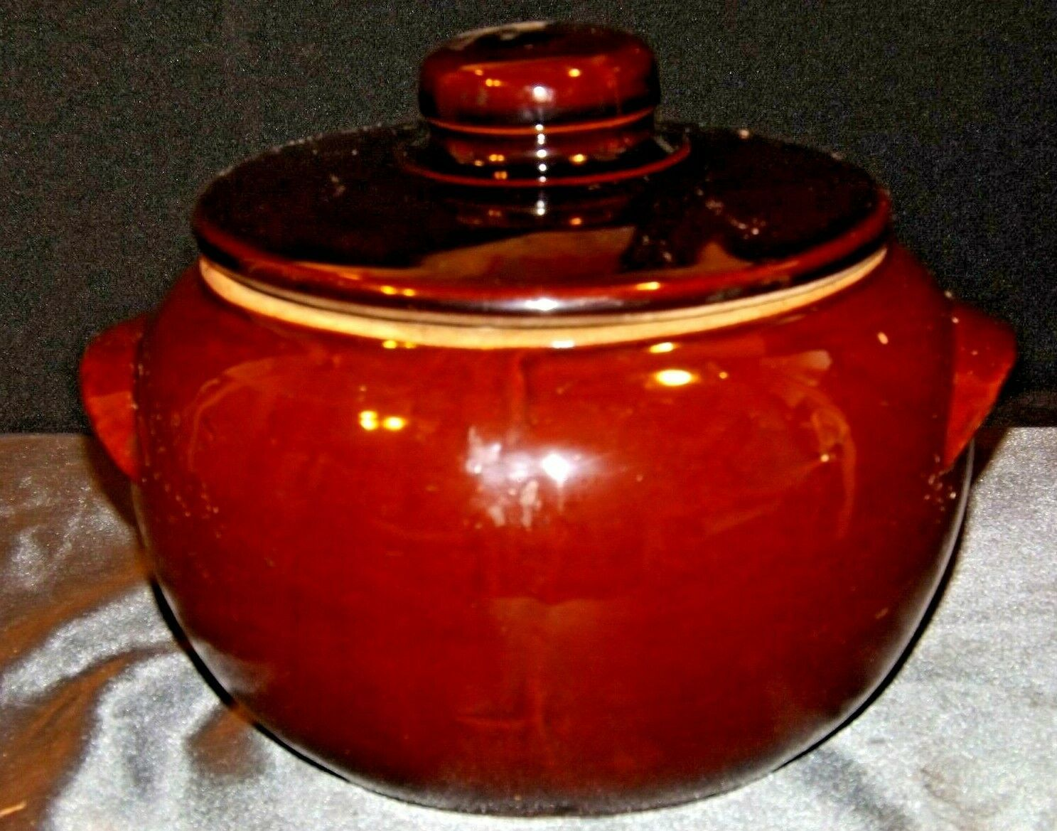 Glazed Ceramic Brown Bean Cook Pot with Lid AA19-1624 Vintage USA