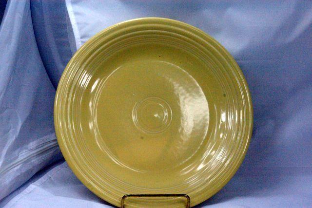 Homer Laughlin 2002 Fiesta Yellow Dinner Plate