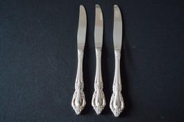 Oneida Distinction Deluxe Stainless Raphael Set of 3 Dinner Knives - $9.90