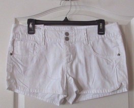 SO® 5-Pocket Shorties Double Button Shorts White Women's JR. Sz.9 NWT MS... - $19.56