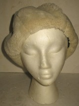 Vintage Womens Off-White/Cream Faux Fur Winter Fashion Hat - $18.81