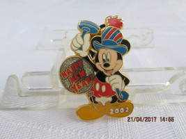 WDW 2002 12 MONTHS OF MAGIC-HAPPY NEW YEAR 2002 (MICKEY) PIN - $10.00