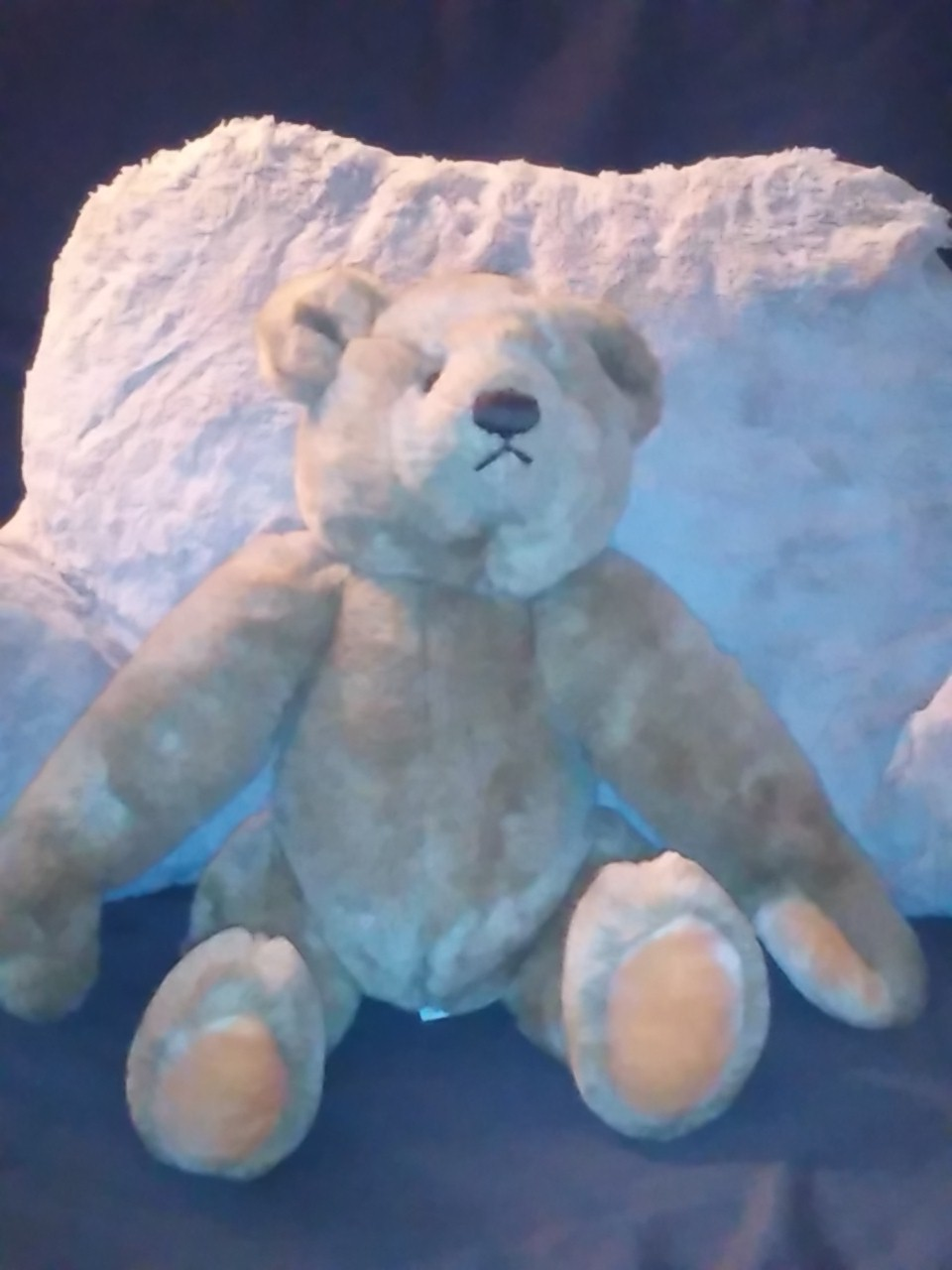 Bialosky 17 inch plush jointed bear Gund co 1982