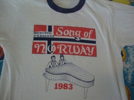 Vintage Munopco Presents SONG OF NORWAY 1983 Musical Edvard Grieg T Shirt Size S - $39.59