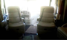 2005 THOR MANDALAY CLASS A For Sale In Lake Wylie, SC 29710 image 2