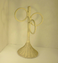 VTG White Wicker 3-Ring Countertop Hand Towel Stand Jewelry Organizer - $18.43
