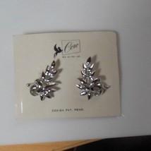 Vintage CORO Design Pat. Pending Silver-tone Leaf Screw-on Earrings - $21.77