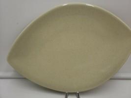 """Pfaltzgraff 12"""" Leaf Shaped Platter Rare  Near Piece Beige Speckled Tan - $29.01"""