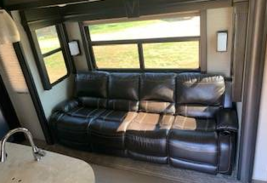 2017 Dutchmen Voltage 3305 with Hitch FOR SALE IN Fallbrook CA 92082 image 7