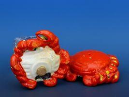 Vintage Novelty Salt & Pepper Shaker Set Norcrest China Crabs image 4