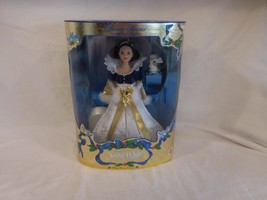 DISNEY 1998 SNOW WHITE WINTER HOLIDAY PRINCESS DOLL RABBIT MATTEL CHRISTMAS - $29.85