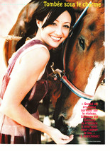 Shannen Doherty teen magazine pinup clipping feeding a horse 90210