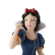 """7.75"""" Snow White Figurine from the Disney Showcase Collection image 3"""