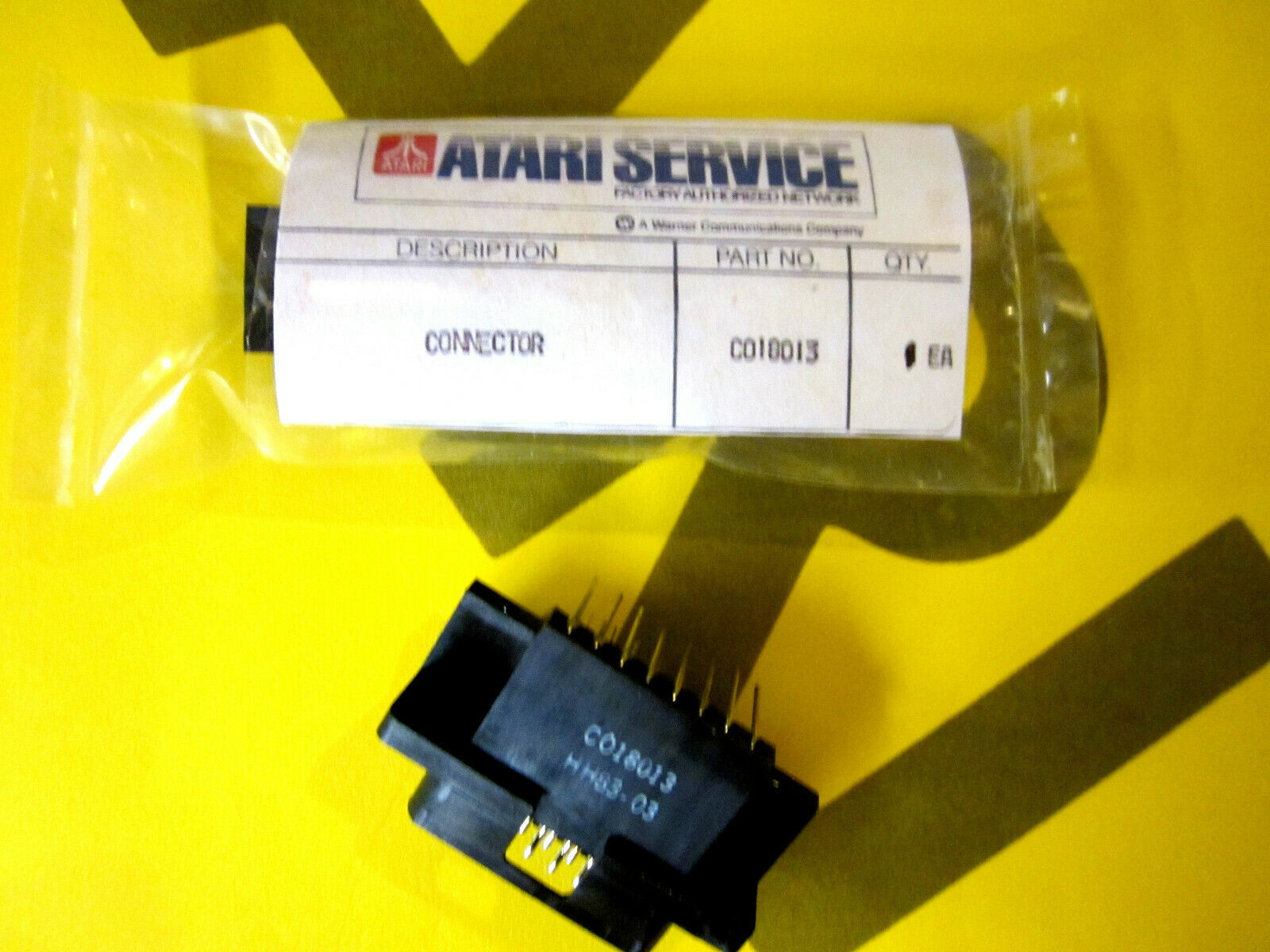 Primary image for Atari 5200 D Port 15 pin Connector Genuine Atari Service Part # C018013 **New**