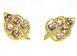 vintage leaf shaped pierced earrings leaves pink rhinestone gold filigree - $9.89