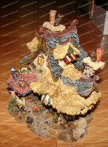 Boyds Town, Emily's Carrot Cottage (19014) Bearly Built Villages, 2000 - $48.02