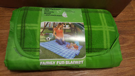 GREEN PICNIC BLANKET NEW PICNIC SPORTING EVENTS BEACH - $9.50