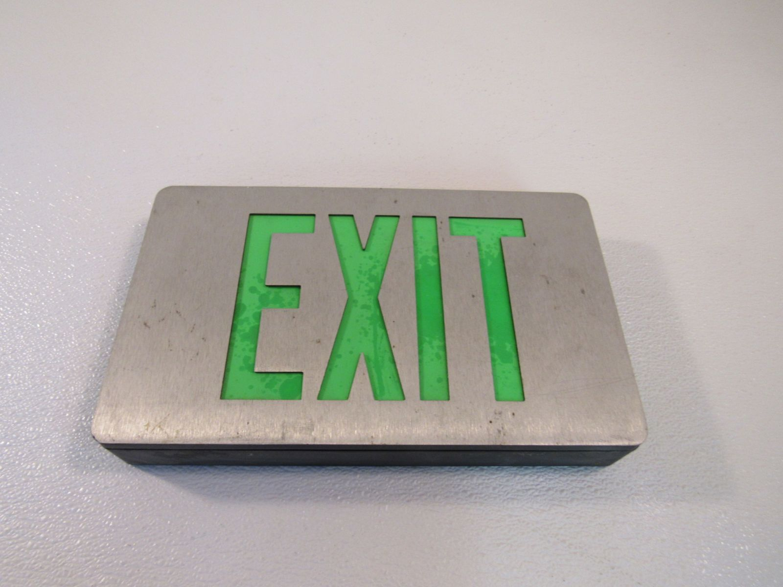 Cooper Lighted Exit Sign Single Side 120 VAC 277 VAC LED CAX-61000