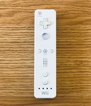 Nintendo Wii Remote Controller White Authentic RVL-003 FOR PARTS OR REPAIR - $9.89