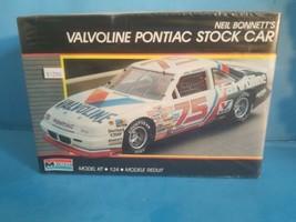 Neil Bonnetts Valvoline #75 Pontiac Nascar Model Kit #2787 From Monogram  - $18.69