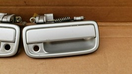 95-04 Toyota Tacoma Front Exterior Outside Door Handle Pair Set Left Right L&R image 2