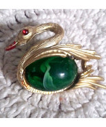 Vintage Green Marbled Jelly Belly Gold Tone Swan Pin Brooch - $2.85