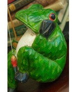WOOD GREEN FROG HAND CARVED FIGURINE PRIMITIVE FOLK ART CRAFT FISHING THAILAND - $34.99
