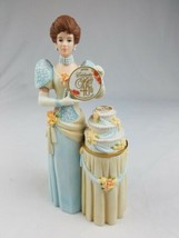 Avon Mrs Albee 2007 President Club Award porcelain 40th anniversary  - $30.64