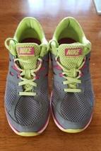 Nike Dual Fusion Lite Sneakers 4Y - $17.82