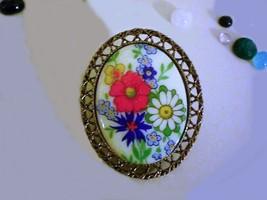 Ladies Pretty Vintage 1960's Gold Tone Transfer Porcelain Flower Oval Brooch - $12.99