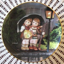 M.I. Hummel STORMY WEATHER Little Companions Series Collector Plate Danb... - $10.00