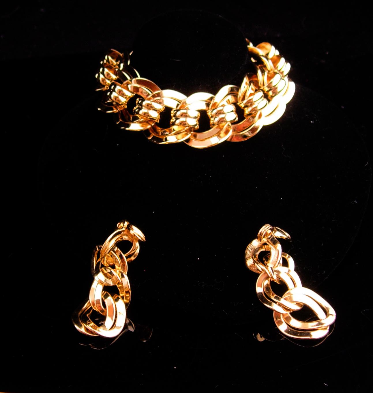 Vintage Monet Parure/ huge chain necklace / Large gold bracelet / clip on earrin