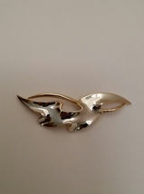 Vintage Trifari Signed Two Tone Abstract Brooch Pin - $25.00