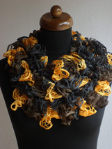Ruffle scarf, Frilly scarf, Knitted scarf, Black yellow scarf, Mother's ... - €11,03 EUR
