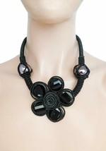 Noir Fil Revêtement Câblé Fleur Lucite Perles Collier Imposant Earrings Set - $21.55