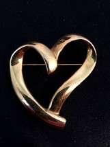 Trifari tm 1990 QVC Special Gold Tone Abstract Heart Brooch - $9.85