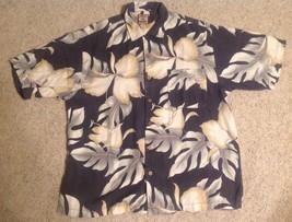 Tommy Bahama Tropical Hawaiian Camp Shirt Sz L Flowers Foliage - $27.72