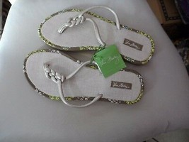 Vera Bradley linen flip flops size Medium in Sittin in a Tree - $16.50