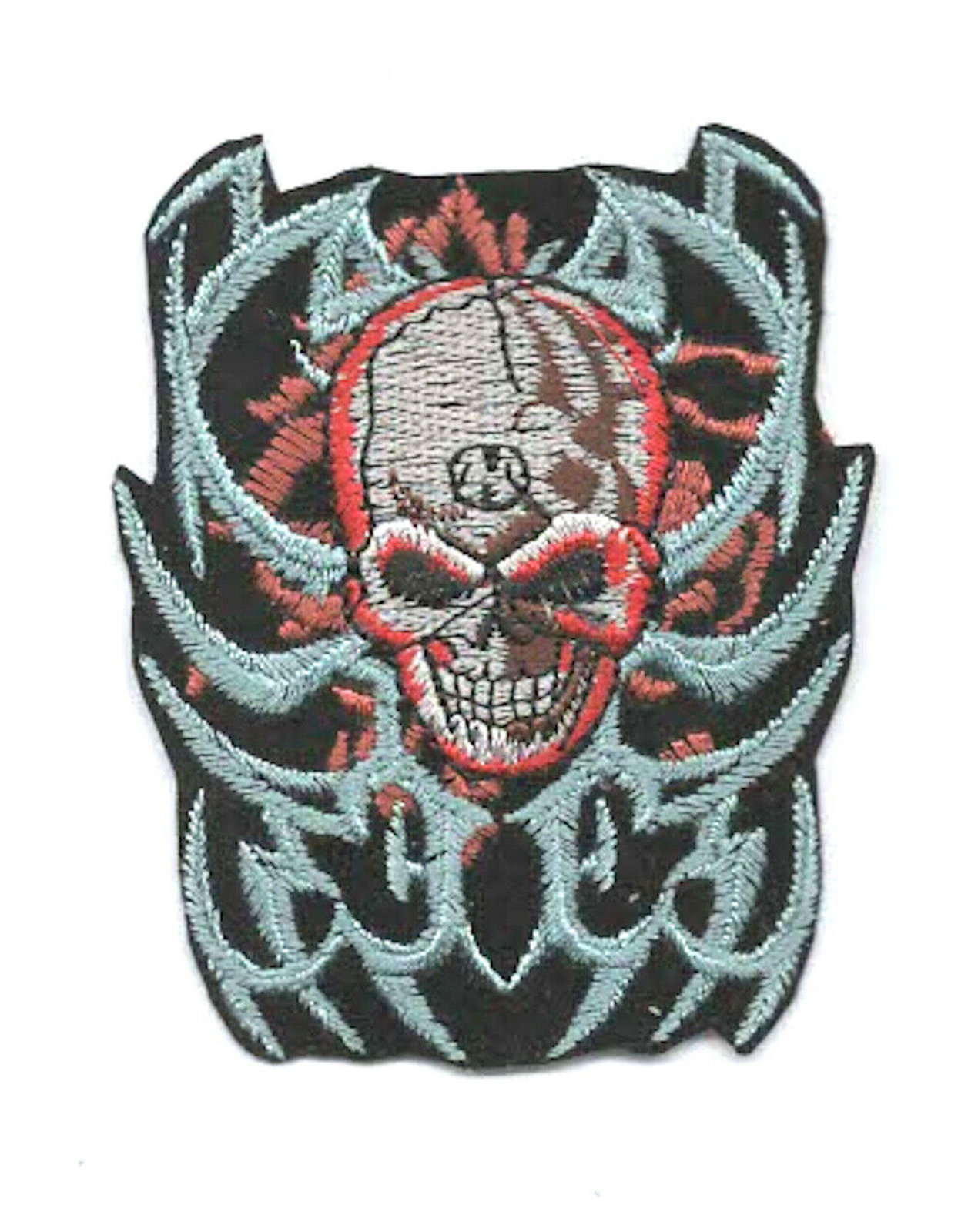 skull, fire embroidered iron / sew on patch