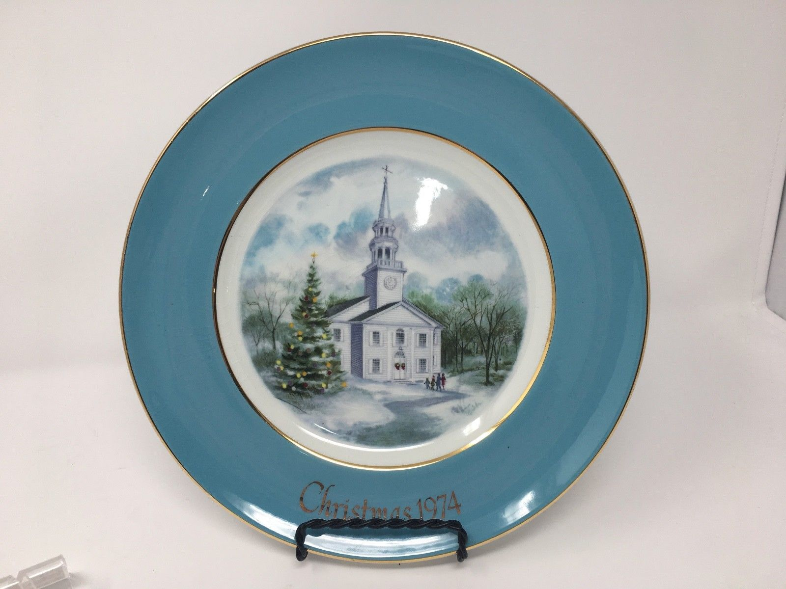 Avon 1974 Christmas Church Collector's Plate - Second Edition - Country Church image 2