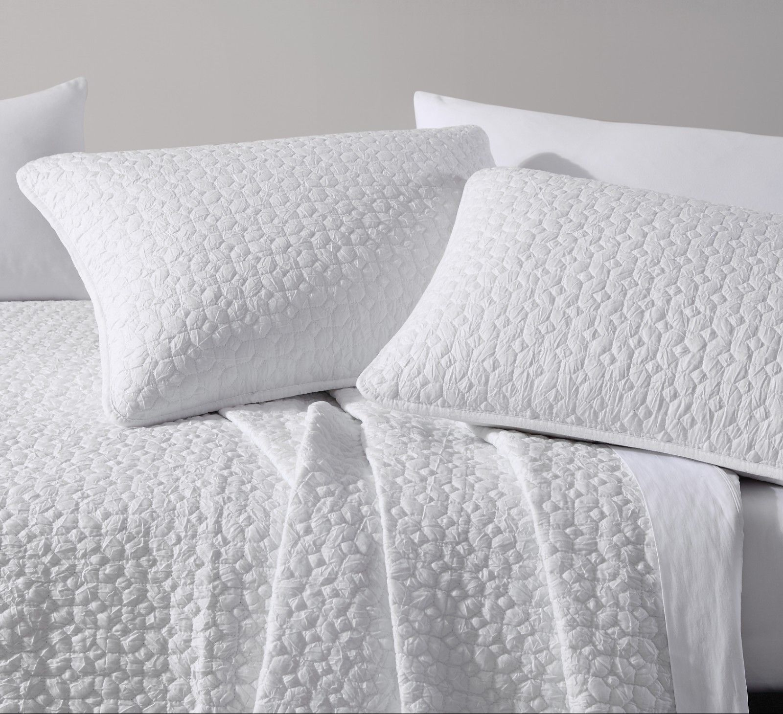 Elli Quilted Coverlet Set Geometrical Shape And 10 Similar Items - Geometrical-shapes-on-bedding