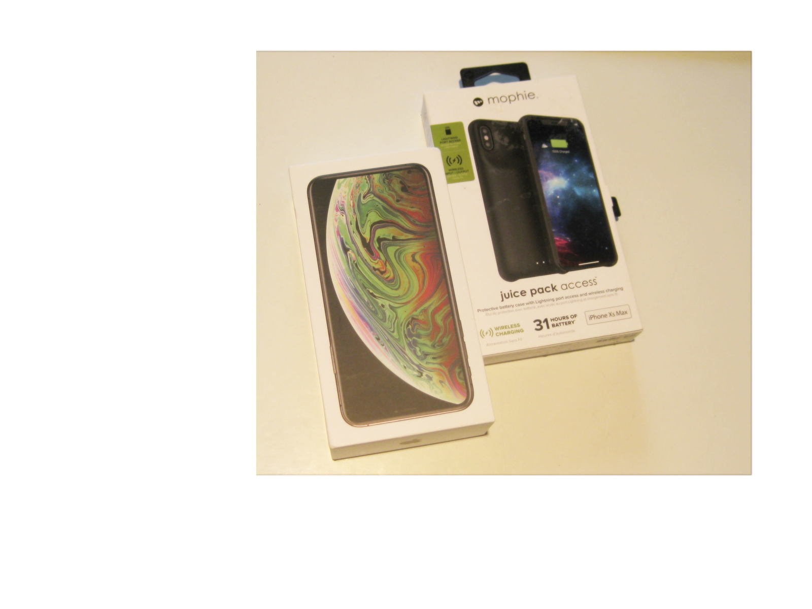 9/10 256gb  Unlocked A1921 Iphone Xs Max Bundle Deal! - $784.99
