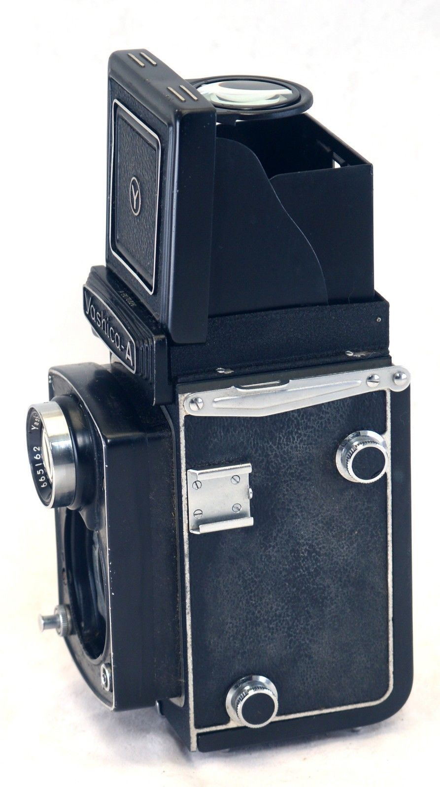 Vintage YASHICA A TLR Film Camera Body Japan  AS IS