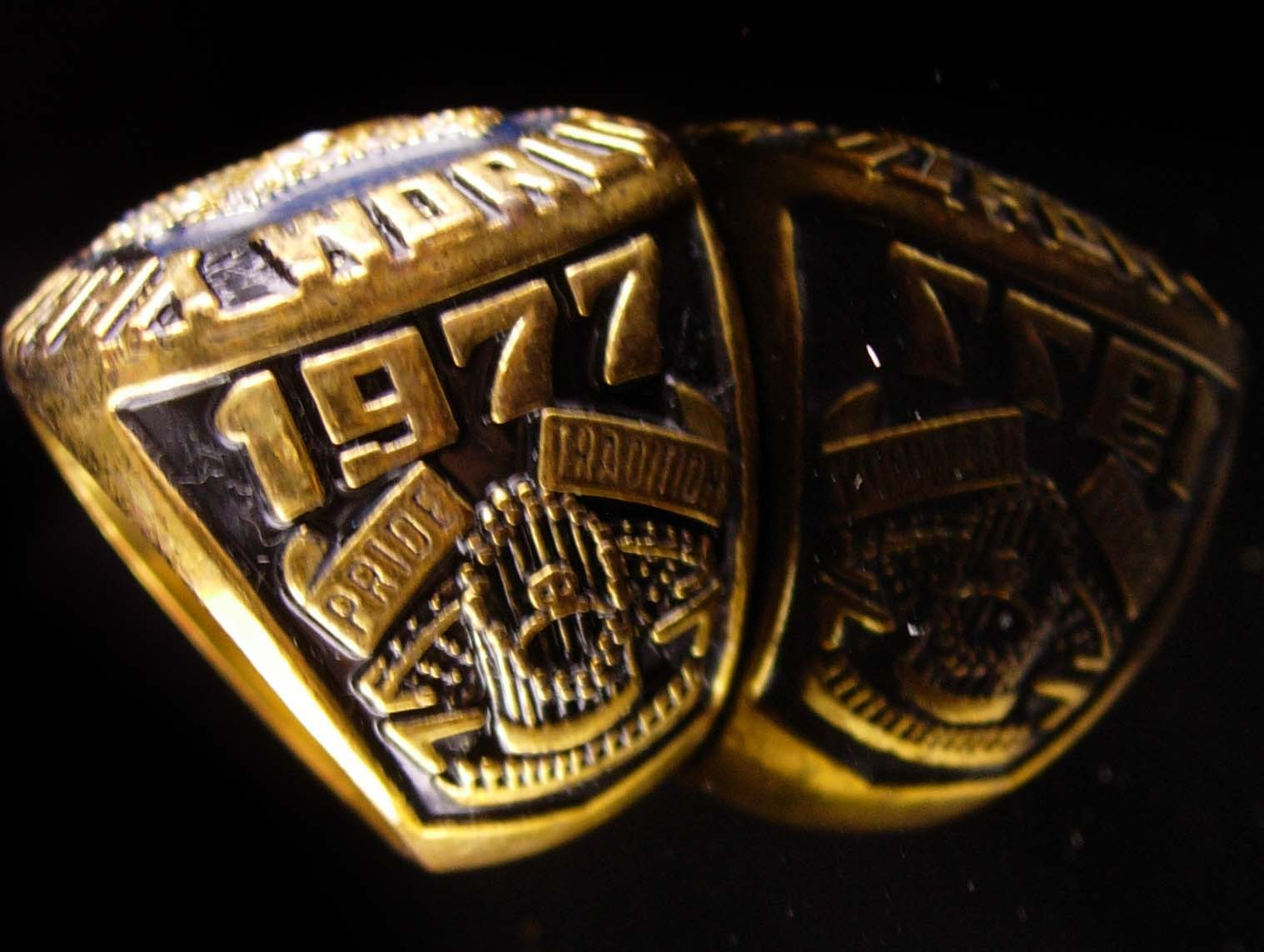 Vintage Baseball Ring - 1977 championship - New York Coach gift -  Yankees