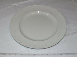Fine English Tableware by Johnson Brothers Stoffordshire Dinner Plate 10... - $18.69