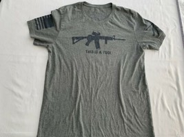 Grunt Style This is a TOOL I am the WEAPON T-Shirt size L Gray New Men's - $16.86