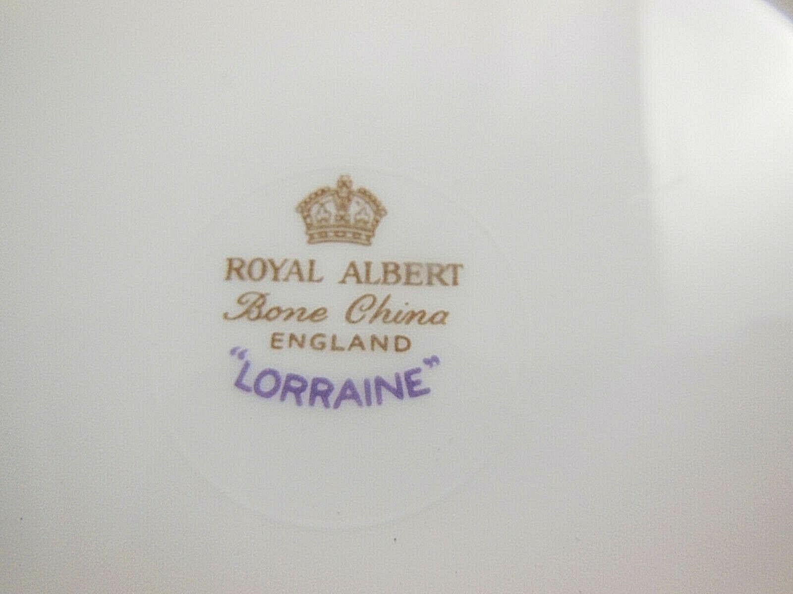 "Royal Albert Engand Bone China 7"" Plate LORRAINE grapes & leaves scallopes gold"