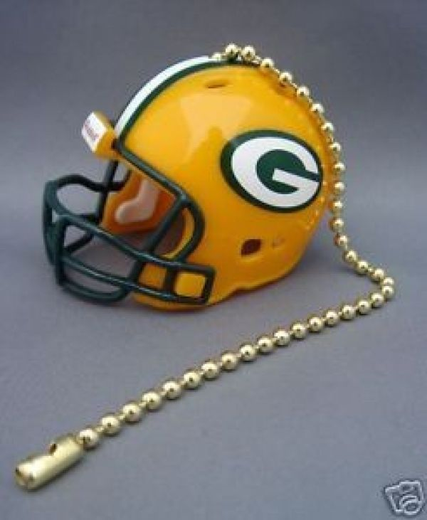GREEN BAY PACKERS CEILING LIGHT FAN PULL & CHAIN NFL FOOTBALL HELMET